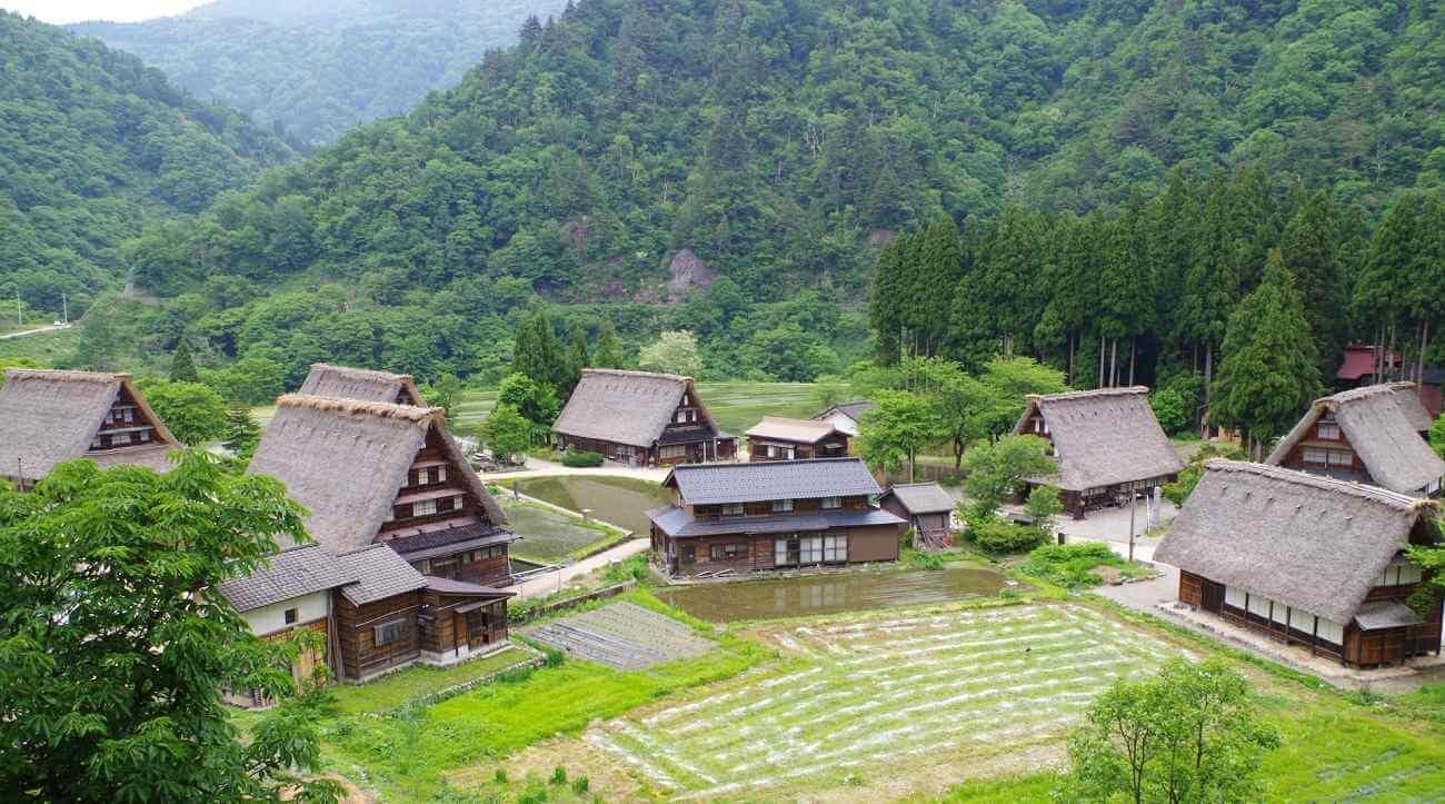 Di sản thế giới hai ngôi làng cổ Gokayama