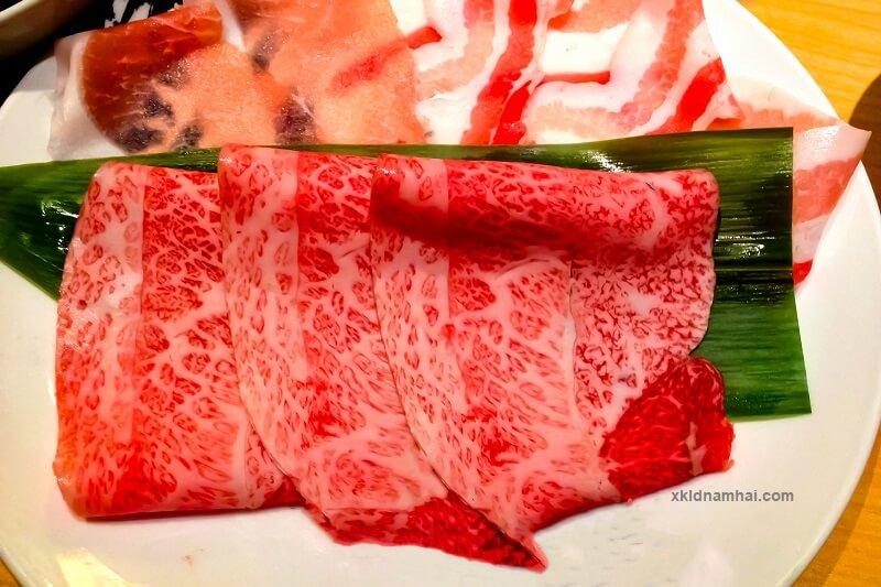 thịt bò Kobe sống