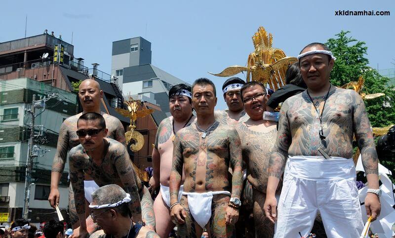 Yakuza với các hình xăm kín cơ thể