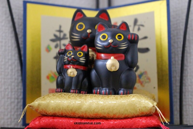 Mèo đen may mắn Nhật Bản