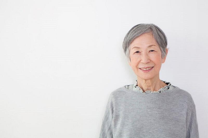 Điều dưỡng viên thường phải tiếp xúc với người lớn tuổi và bệnh nhân